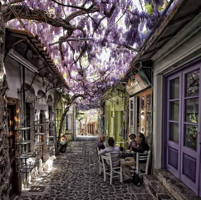 Vila de Molyvos, em Lesvos, Grécia